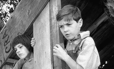racism and social injustice in to kill a mockingbird a film by robert mulligan The instances of injustice and justice in to kill a mocking the classic film to kill a mockingbird was directed by racism in amistad, to kill a.